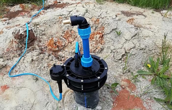 Мы оказываем услуги по монтажу насоса для колодца или скважины под ключ